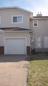 3BR Town House in Irricana,AB (20 min east of Airdrie)