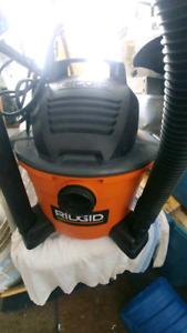 Aspirateur RIDGIG 22.5L(6Gallon) sec/humide comme neuve