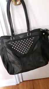 Guess purse *best offer* Cambridge Kitchener Area image 1