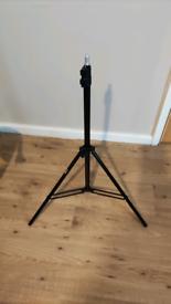 2x Light Stands speaker stands