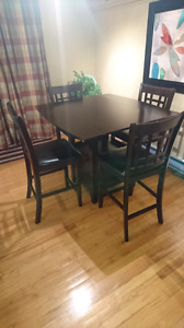 Pub Height Table & Chairs