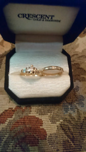 Beautiful Engagement Ring and Wedding band - Price reduced!