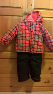 Like new boys Columbia snow,suit size 2T