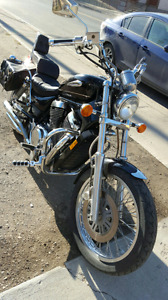 Suzuki vs 800 Intruder motorcycle 2003 good condition