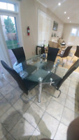 Glass extendable table excellent condition