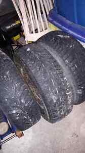 4 rims and tire 235/75r15 WINTERS West Island Greater Montréal image 3