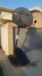 Basketball Hoop - Portable and height adjustable