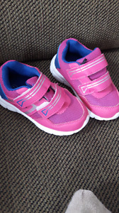 Toddler sneakers size 7