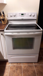 Whirlpool Accubake, Self Cleaning, Convection Stove
