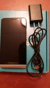 Blackberry Z30 Smartphone. 90$ Very good shape.