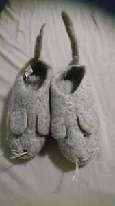 Wool mouse slippers