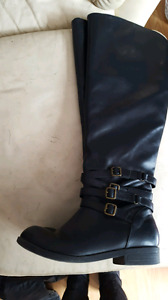 Over the knee black boots with buckles