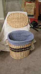 decorator wicker laundry basket with washable lining