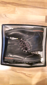 New size 10.5  Black Rockport Hy drop Shield Water Proof Boots