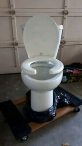 HIGH RAISE TOILET WITH 2 IN. TOILET SEAT