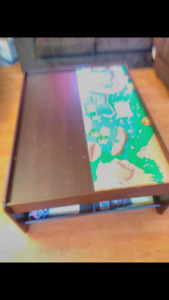 Coffee table / children's table, reversible