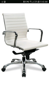 White leather offixe chairs