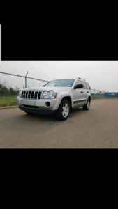 2006 Jeep Grand Cherokee PERFECT FOR WINTER!!