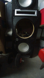 """2 """"12 subs + all wiring and amp"""