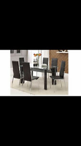 BEAUTIFUL KITCHEN TABLE-TABLE MODERNE + 4 CHAISES - BRAND NEW