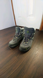 Girl's size 3 Vasque Hiking Boots $50 OBO