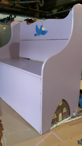 2 Toy chest