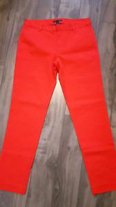 2 paires pantalons de marque pour 20$
