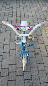 Small girl's bike in good condition. London Ontario image 3
