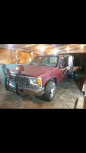 1998 gmc 3500 4x4 for sale or trade .