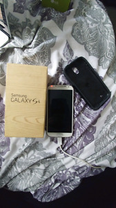 Selling-Samsung Galaxy S4 UNLOCKED