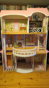 KIDCRAFT 2-STOREY MAGNOLIA MANSION DOLL HOUSE - OBO
