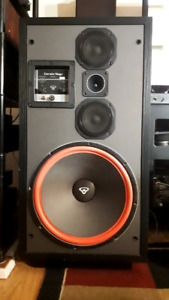 Cerwin Vega D9 Speakers