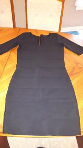 Robe noire grandeur small