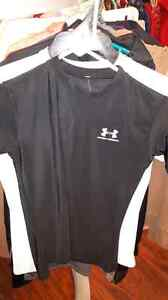 Boys under Armour clothing  London Ontario image 3
