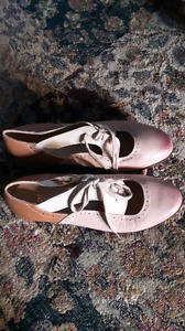 DSW Restricted Brand oxford shoes size 9 worn 1 time