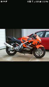 2000 Honda cbr f4