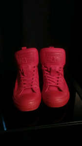 All red converse all stars MINT!!