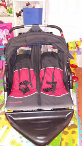 Expedition jogging stroller for twins
