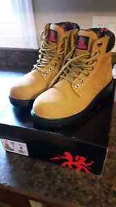 Work boots women's *best offer*