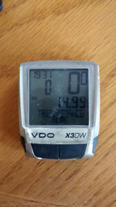 VDO X3DW Cycling Computer With second Bike Kit Kitchener / Waterloo Kitchener Area image 2