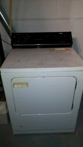Gas dryer and washing machine