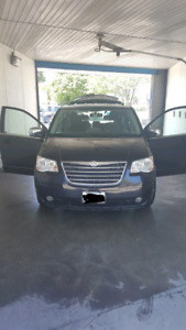 Mintt! 2008 Chrysler town and country