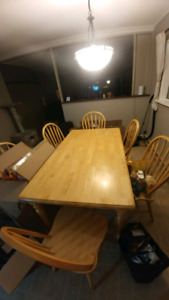 Kitchen table, good condition- seats 6