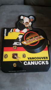 1989 vancouver canucks wall clock