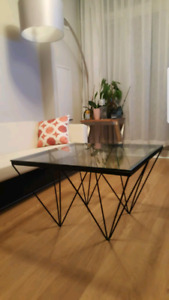 REDUCED Gorgeous coffee table - black metal, glass top