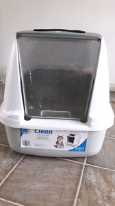 Enclosed cat litter bin