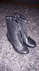 Black boots size 7 worn only a few times  London Ontario image 1