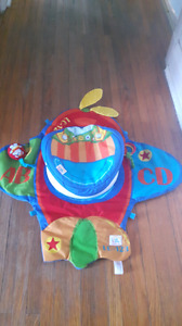 Tummy time play mat with swivel attachment