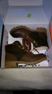 Size 8 DLG Boots
