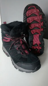 Women's Merrell Winter Boots (sz 8)